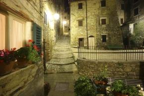 S. Casciano - centro storico notturno 1